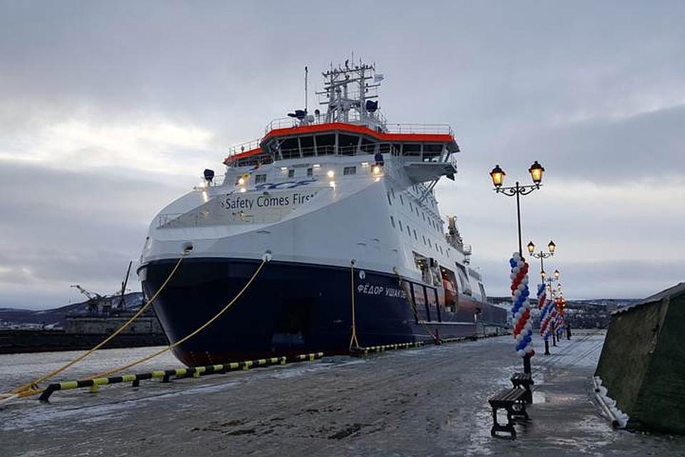 Поднят флаг намногофункциональном ледокольном судне обеспечения «Федор Ушаков»