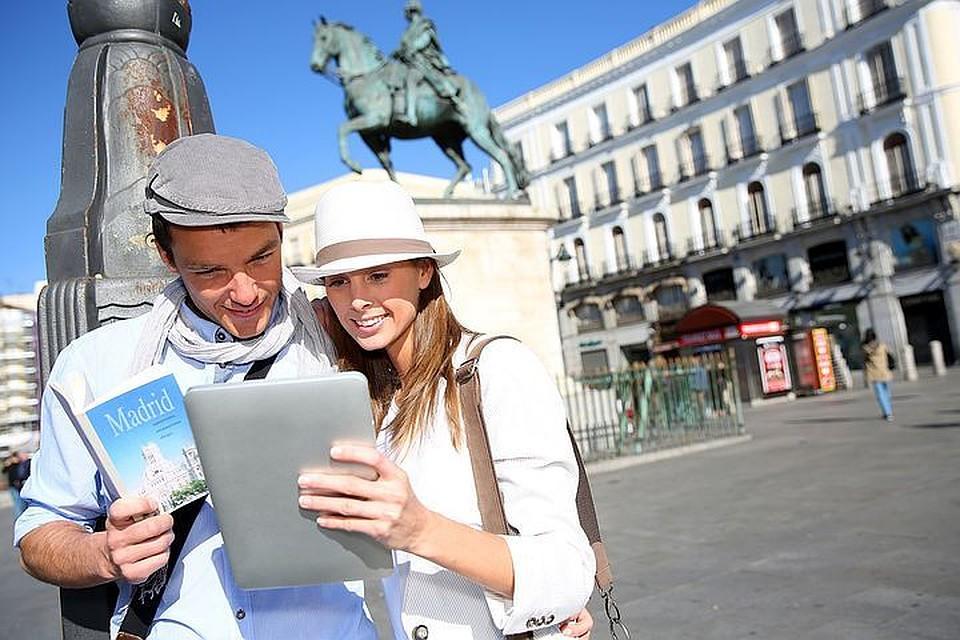 Петербург к 2023г.  сделают туристическим центром мирового уровня