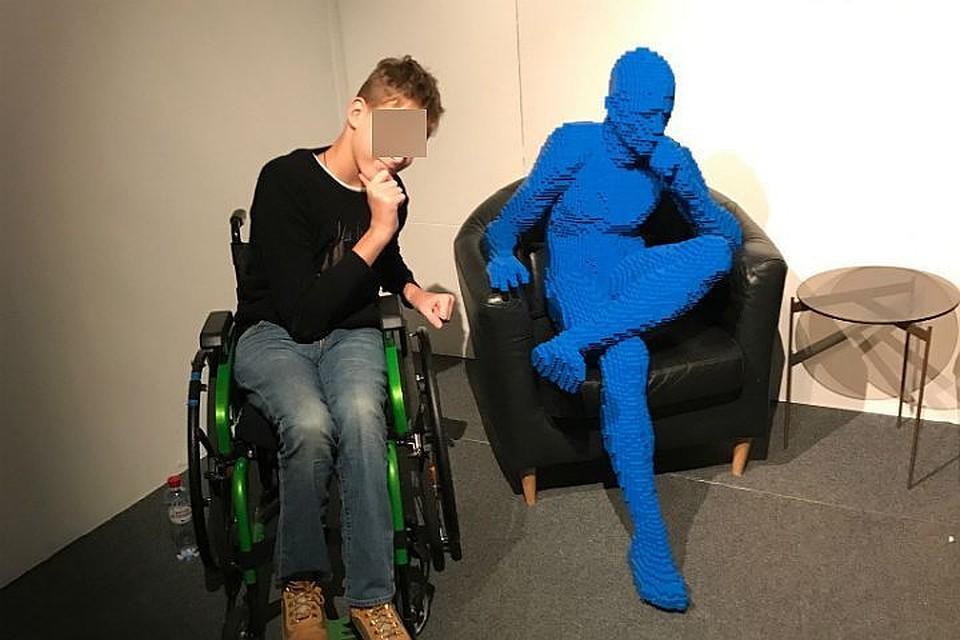 ВПетербурге разбираются, почему выгнали изкафе ребенка-инвалида