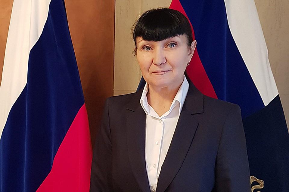 Главный воронежский пристав ушла помогать спенсиями прокурору Шишкину