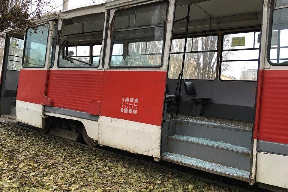 УЖиркомбината грузовой автомобиль свышкой протаранил трамвай