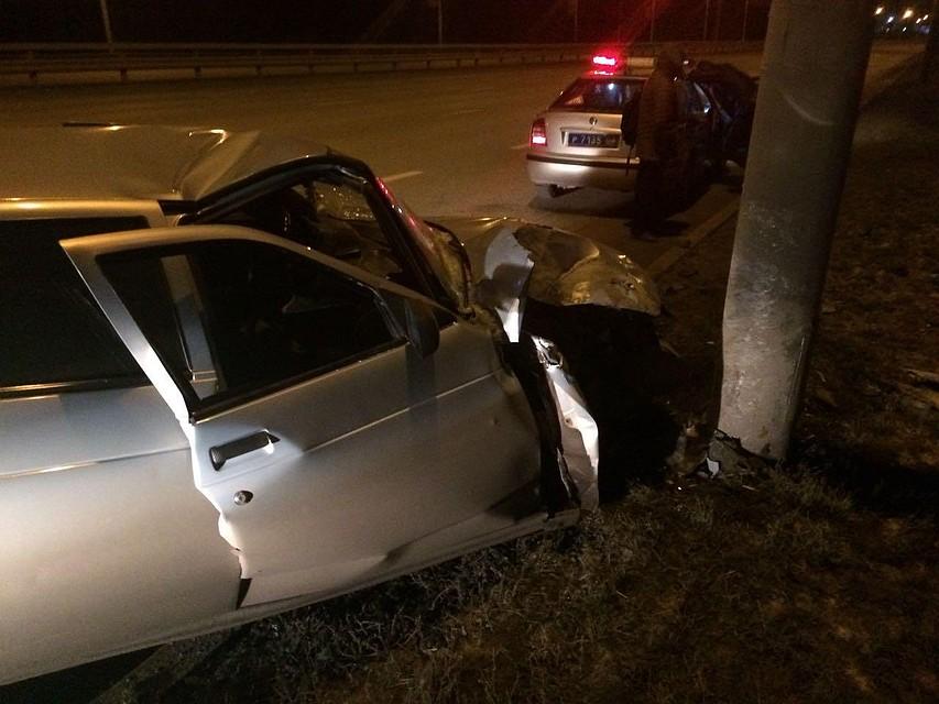 ВУфе неопытный шофёр врезался встолб