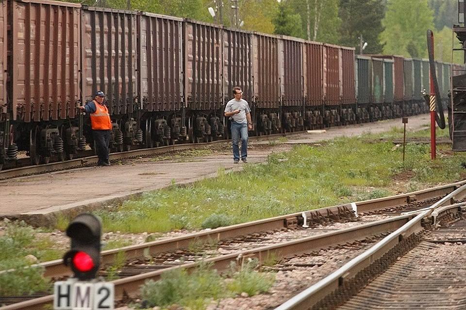 ВВологде 15-летнему подростку колесами поезда отрезало палец наноге