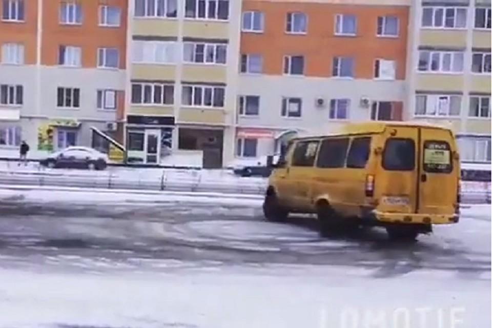 ГИБДД проводит проверку после дрифта, который устроили водители маршруток вСтаврополе