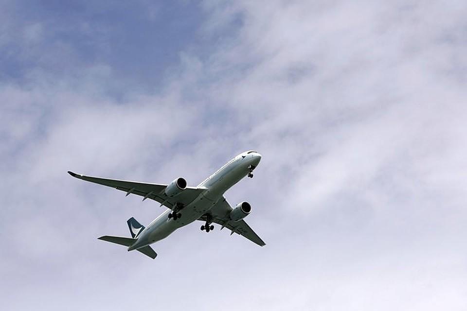 Свидетели поведали, как американский пассажир скончался всамолете попути в российскую столицу
