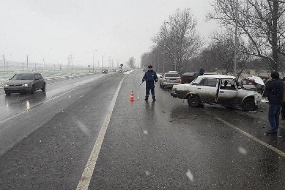 ВСтавропольском крае шесть человек пострадали вДТП 2-х  отечественных легковых машин