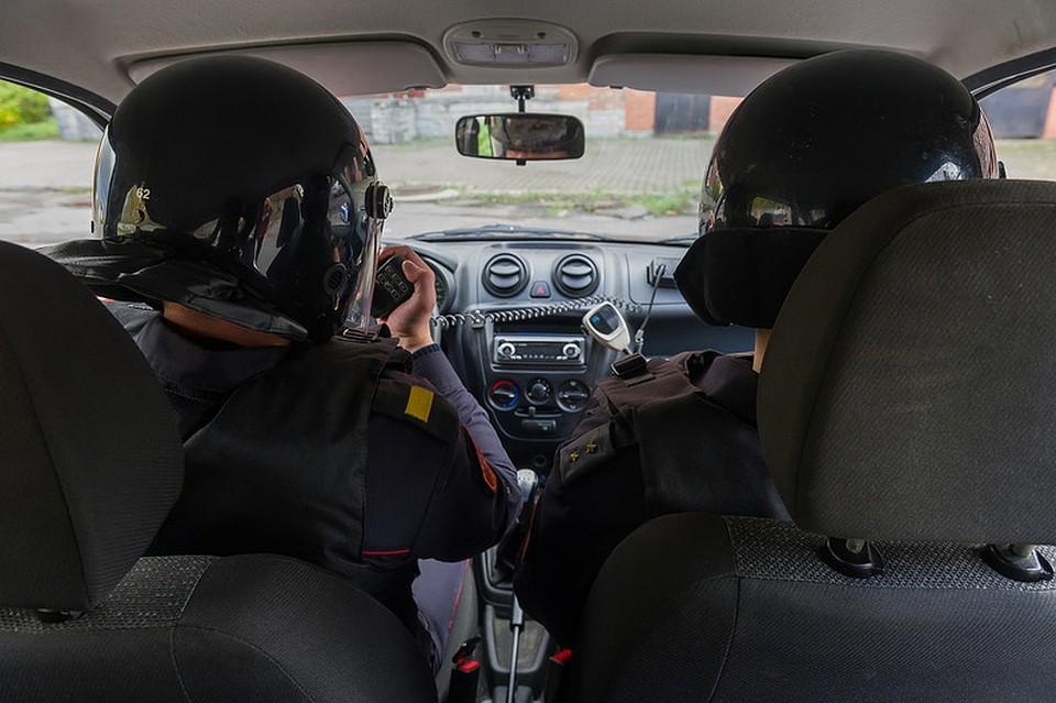 Финансовая милиция вместе сСОБРом проверила «Смольнинский» муниципалитет