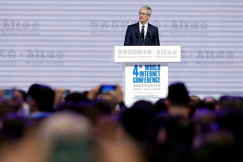 Глава Apple Тим Кук на 4-й Всемирной конференции по управлению интернетом в Китае