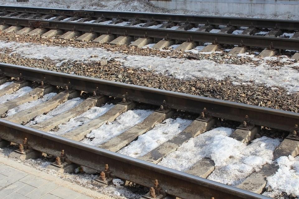 Поезд насмерть переехал 76-летнего пенсионера настанции Качалино