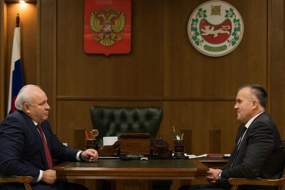 Прошлый вице-губернатор Омской области Новоселов вернулся вХакасию