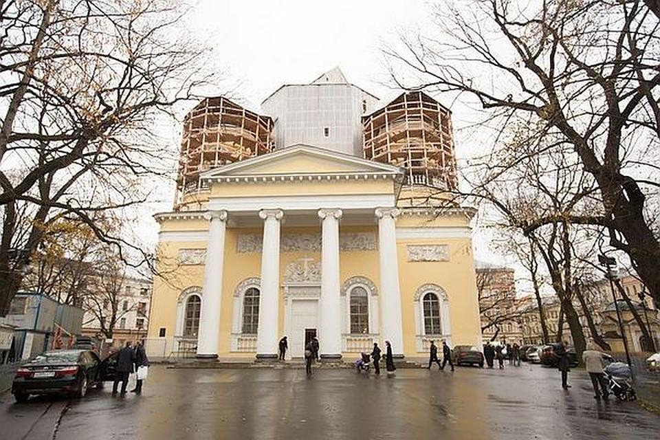 Смольный решил отреставрировать Спасо-Преображенский храм в следующем году