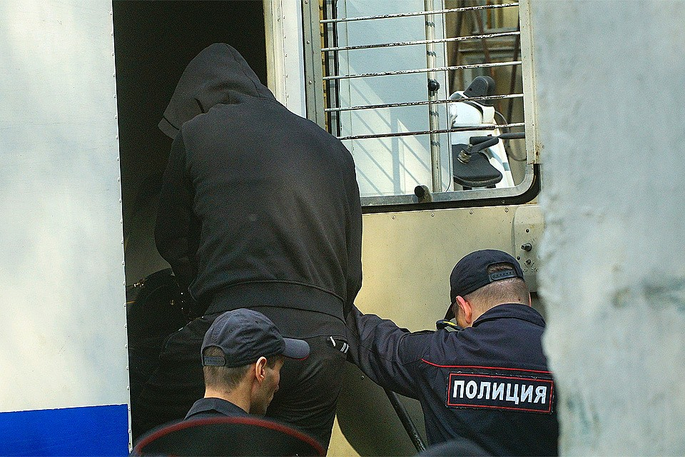 Двое задержанных убежали изздания суда в столице России