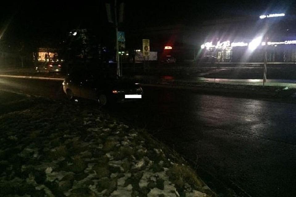 Женщина сребёнком угодила под колёса легковушки вцентре Ставрополя
