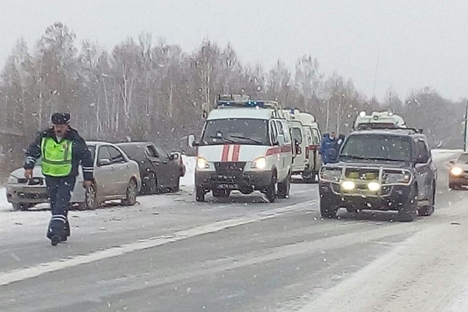 Двое детей погибли, двое взрослых пострадали— ДТП под Новосибирском