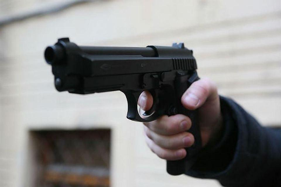 Настанции МЦК Лихоборы пассажир ранил изтравматического пистолета 2-х человек