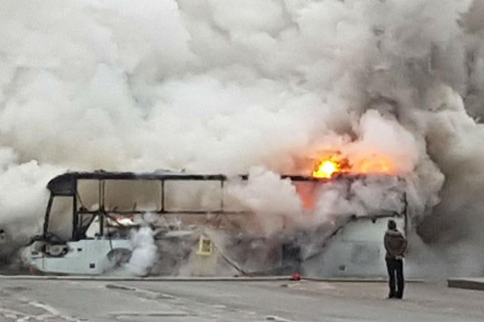 Власти Алтайского края окажут помощь барнаульским детям изсгоревшего автобуса