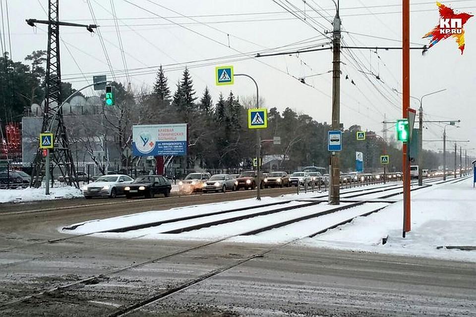 Утром 10января Барнаул встал вмногокилометровых пробках