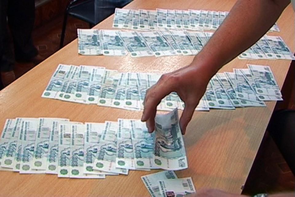 Сотрудницу банка подозревают вприсвоении денежных средств донских пожилых людей