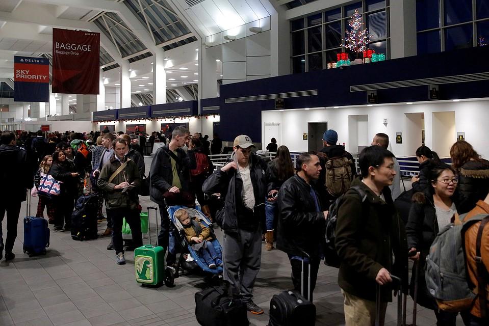 Ваэропортах США отберут гаджеты утуристов заотказ назвать пароль