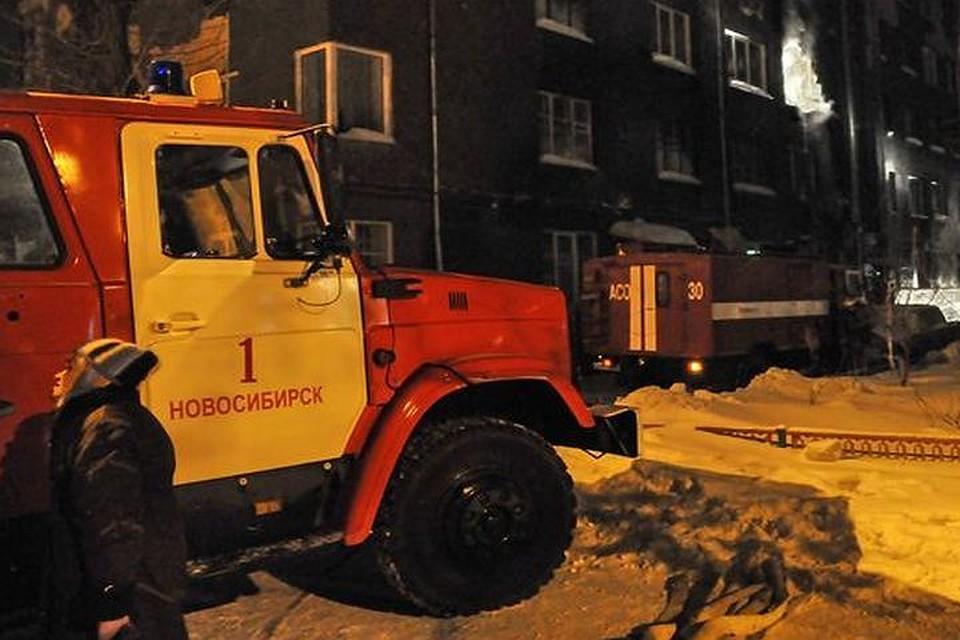 80 человек эвакуировали из17-этажки наВиктора Уса вНовосибирске