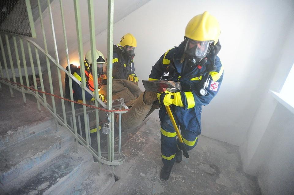ВПерми спасли мужчину сбалкона горящей квартиры