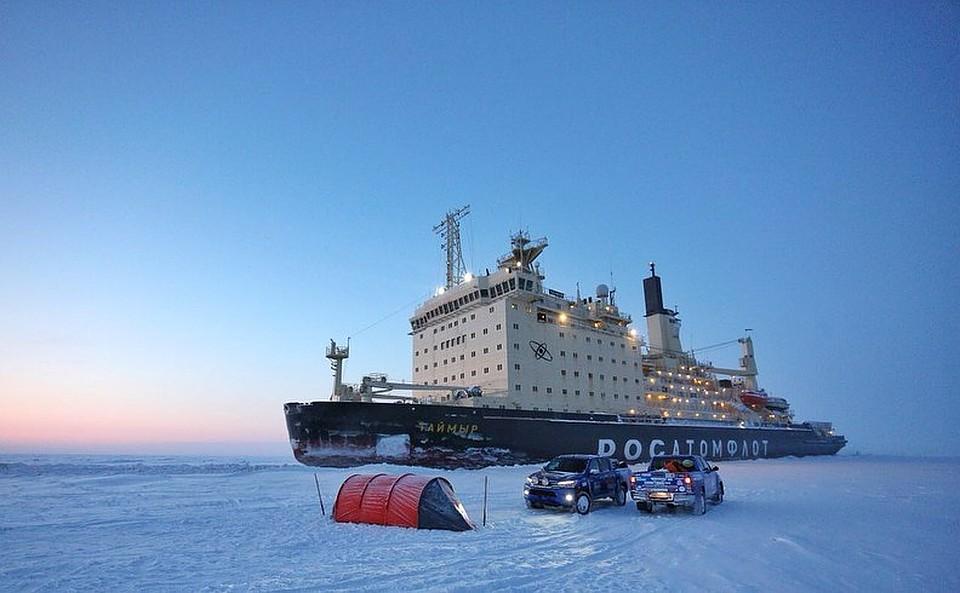 Атомный ледокол «Таймыр» спас вАрктике шестерых туристов