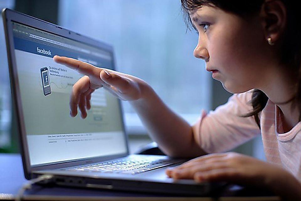 Наименьшим спросом среди рекламщиков наркотиков пользуются Facebook и Livejournal