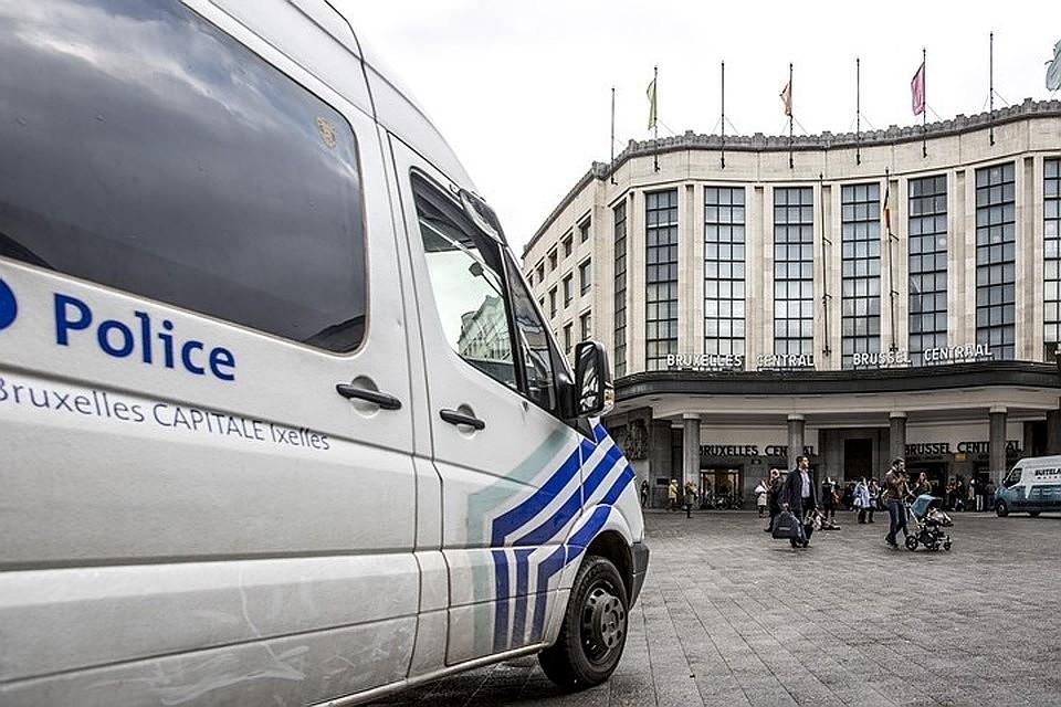 ВБрюсселе проходит спецоперация позадержанию вооруженных людей