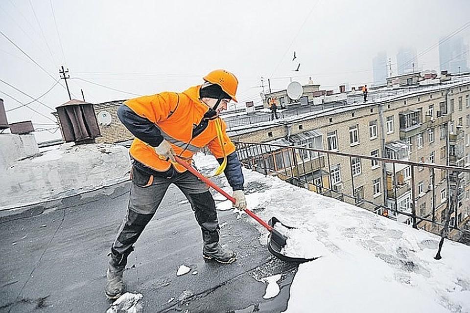 Руферов могут привлечь кочистке крыш отналеди вПетербурге