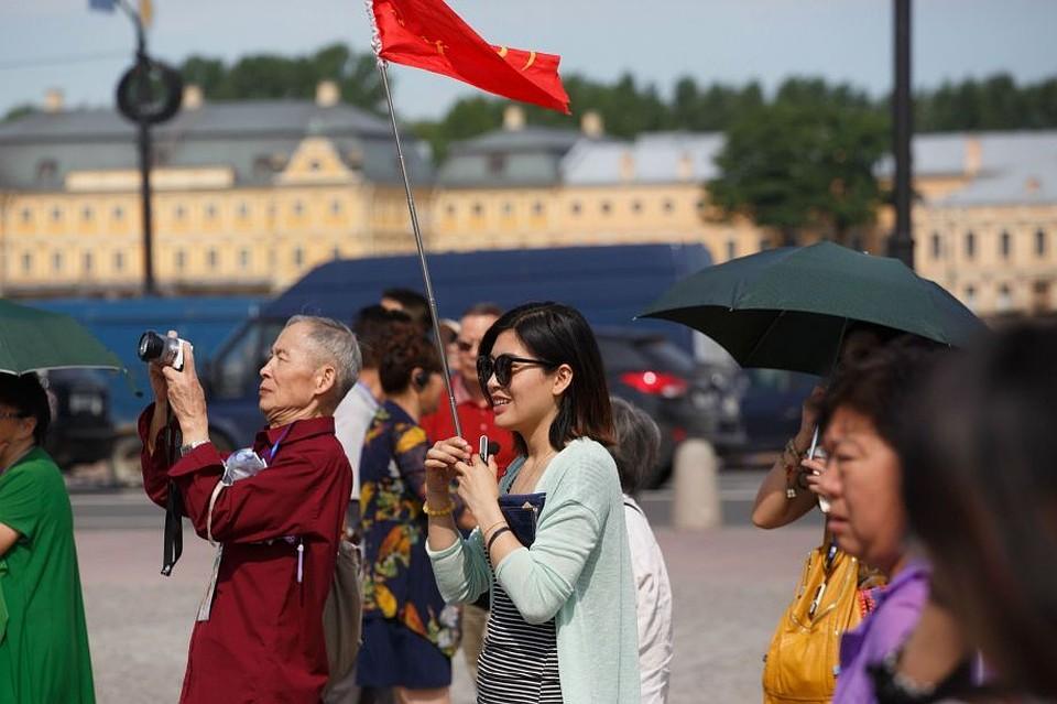 Туристический Петербург опередил Сочи и столицу России