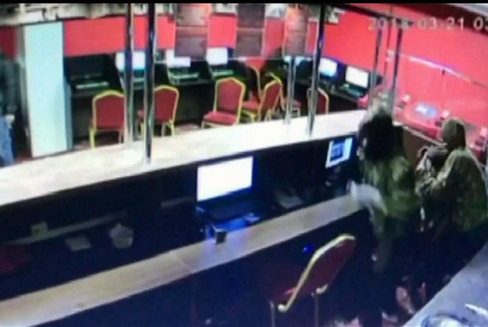НаСтаврополье преступники вмасках напали на служащих автомойки ибукмекеров