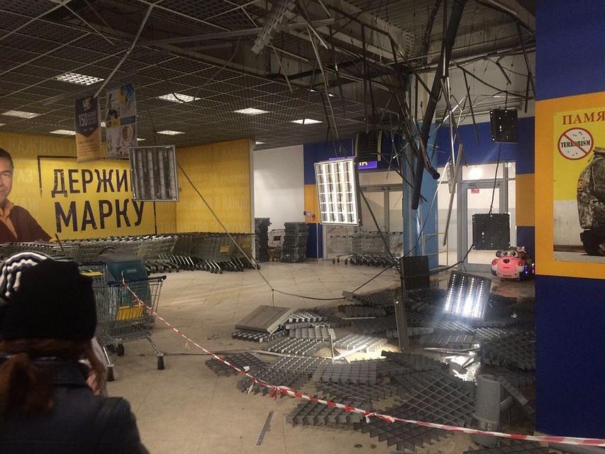Свидетели: вВоронеже впомещении гипермаркета обвалился потолок