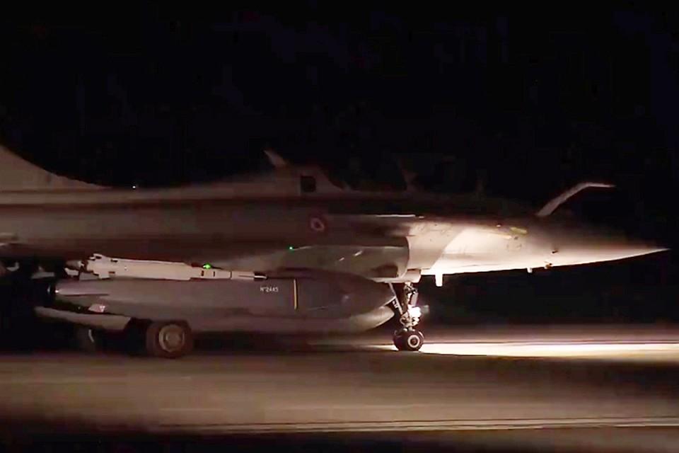 Франция обнародовала видео своего ракетного удара поСирии сфрегата