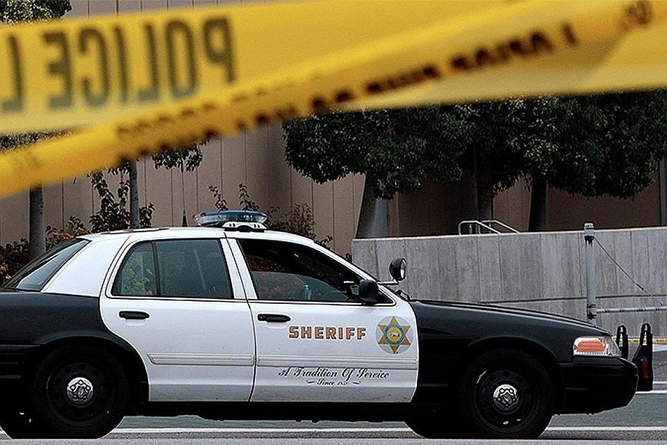 Неизвестный открыл стрельбу полюдям вЛос-Анджелесе. Есть погибший