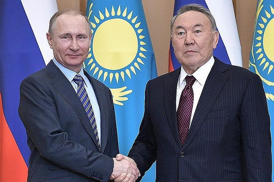 Путин иНазарбаев поздравили друг дружку сДнем Победы
