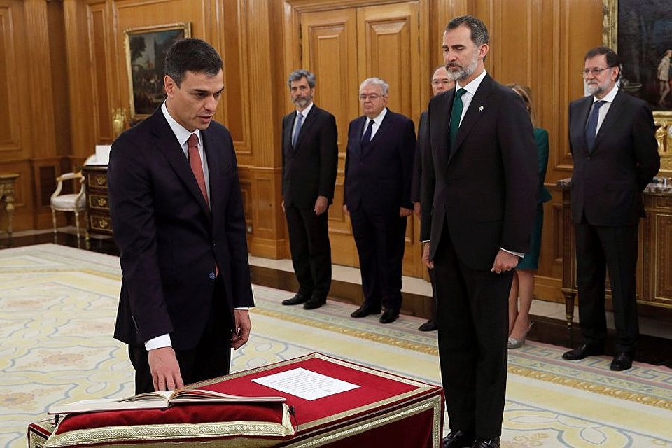 Санчес принес присягу вкачестве премьер-министра Испании