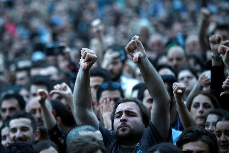 В Тбилиси не работает метро из-за забастовки машинистов