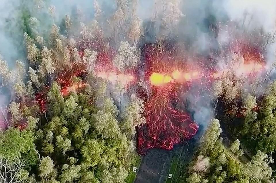 НаГавайях извергающийся вулкан навсе 100% уничтожил курортный залив Капохо