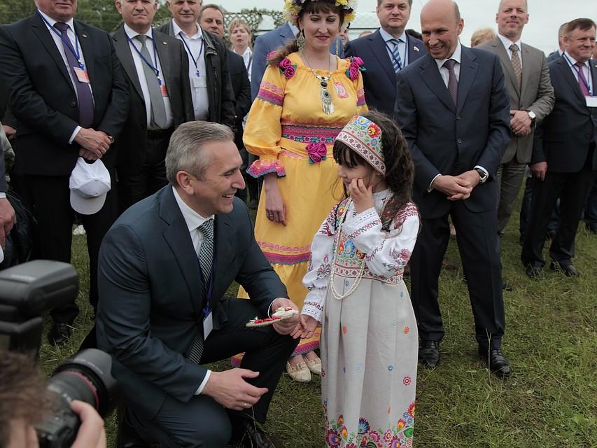 Тюменская область иРоснефть договорились о финансовом снабжении соцпроектов врегионе