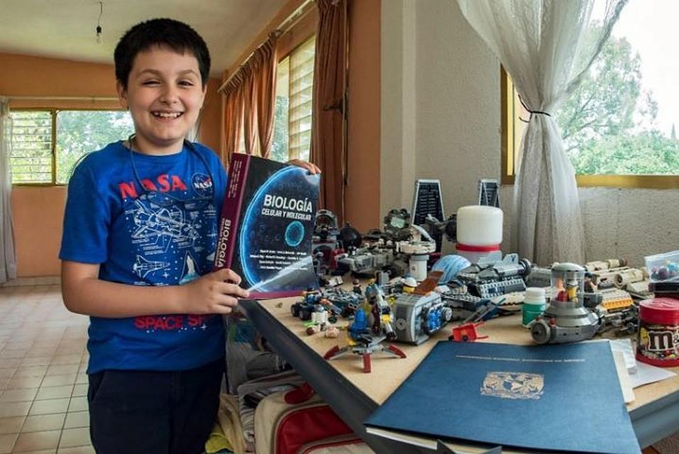 Одаренный мексиканец в12 лет поступил вкрупнейший институт страны
