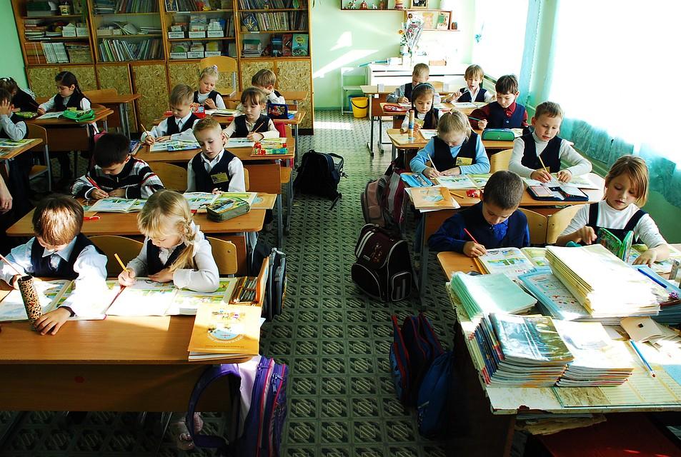 Учебный процесс вшколах Удмуртии начнется 3сентября