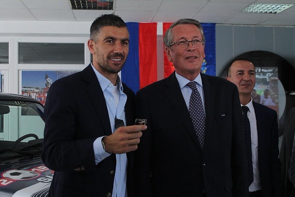 Сербскому футболисту вручили «Ниву» за 1-ый гол настадионе «Самара Арена»