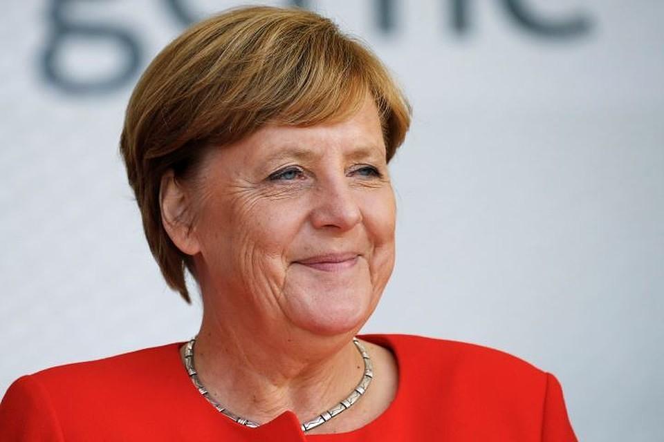 СанкцииЕС противРФ будут всиле довыполнения минских соглашений,— Меркель