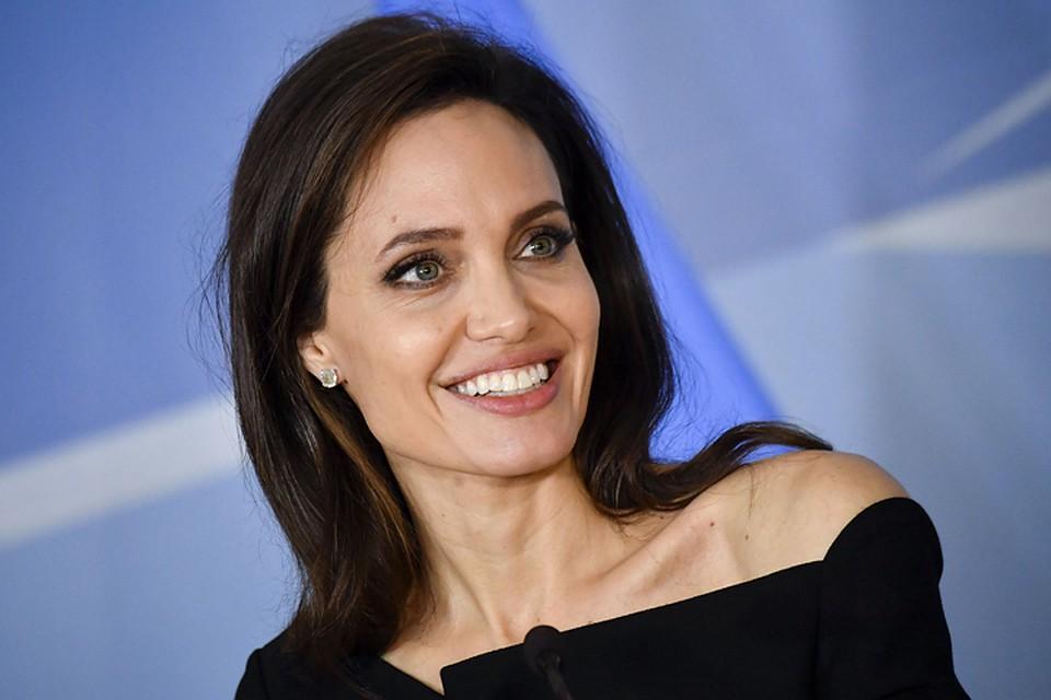 Вот это перемены: Анджелину Джоли неузнать населфи