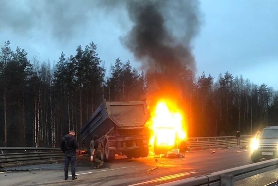 Восемь человек сгорели живьем: детали ДТП в Российской Федерации