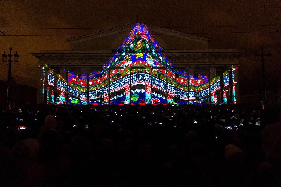 Петербург стал наиболее популярным направлением для туристов навремя первых зимних выходных