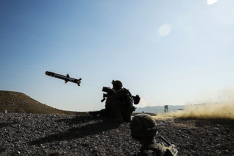 ПВО Сирии отображают  ракетную атаку Израиля вКунейтре