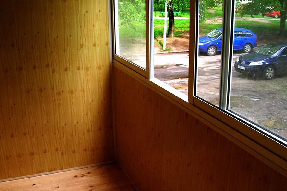 Особенности конструкции и материал балконных рам.