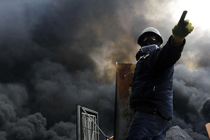 С Майдана постоянно звучит, что как только они расправятся с Януковичем, пойдут в Россию помогать свергать власть