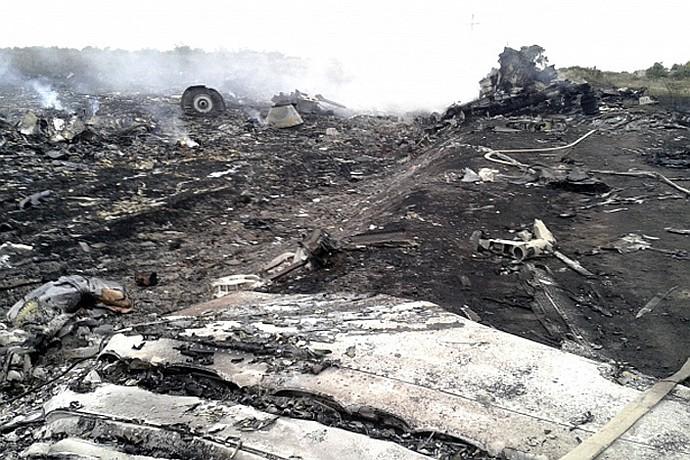 Почти 300 человек погибли во время крушения малайзийского самолета в Донецкой области на Украине